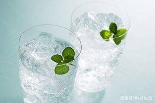 一杯冰水下肚带给你的可能仅仅是一时的凉爽,却让你的身体承受了加...