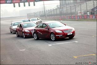北京金港赛车场内体验新君威2.0T及1.6T