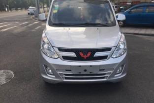 4.9万 白色15款1.2L标准型 荣光V二手车 易车二手车