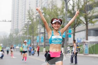 美女都在这儿了 重庆女子半马开跑 她们是全场 最美 主角