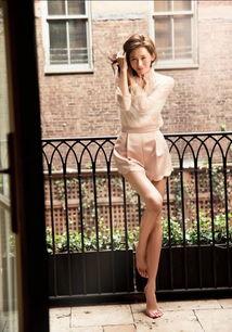 志玲姊姊 林志玲最新2016慈善年历曝光 大晒性感长腿 带大家一起去旅行