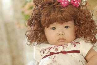 利用大块碎布制作洋娃娃的小裙子?