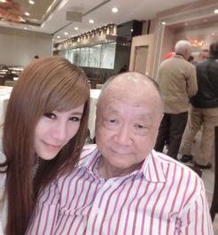 港嫩模拍不雅视频满足旧爱 男方疑为78岁律师