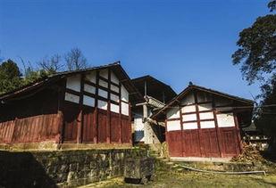 ...古寨民居.位于花桥镇,房屋多为木结构,属典型的汉族建筑风格....