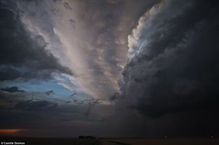 风暴过后的平静:经过风暴的洗涤,天空变得越发湛蓝.-摄影师从艺...