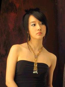 超高清电脑壁纸-女星李贞贤四年恋情告吹 因异地恋聚少离多