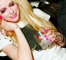 艾薇儿超可爱萌照大放送 从Avril到Everywhere