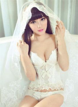 美丽少女披白纱 性感美女胸衣裸露性感
