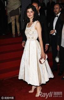 女明星穿裸色高跟鞋亮相红毯-显腿长利器 全靠小S和凯特王妃都爱穿...