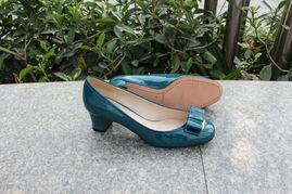 ...美浅口圆头粗跟高跟鞋 漆皮时尚套脚单鞋高档女鞋子