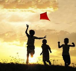 给女儿最好的保护是极限教育,给儿子最好的保护是阳光教育
