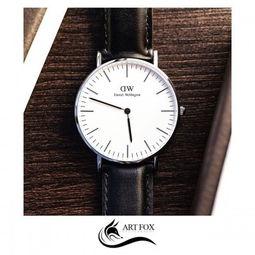 ...Daniel Wellington手表的女性具有知性美
