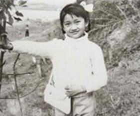...像个小男孩,而关之琳简直就是从小美到大