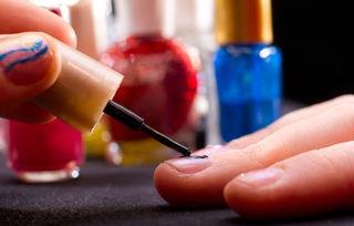 涂指甲油有什么危害,指甲油的危害,涂指甲油有什么坏处