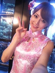 日本女星吉泽明步晒唐装自拍照 2012 07 30 23 41 02