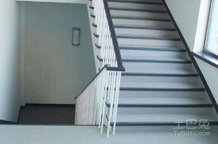 怎么利用3DMAX快速画个楼梯踏步
