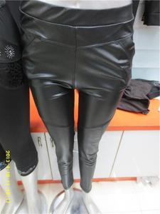 女士黑色皮裤