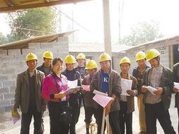 """星级协管员进工地向外来务工人员宣传""""平安南宁""""建设.-中国 南宁"""