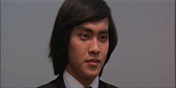 次当主角就名满天下;但他也是不幸的,成名作就是他在演员生涯的最...
