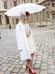 ...花蓬蓬裙搭配色高跟鞋-卜柯文揭秘范冰冰复古浴袍装 一分钟 搞定