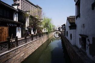 追溯到商末,三千年前,周太王长子泰泊在梅里建勾吴国,为了灌溉和...