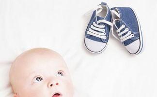 宝宝何时可以穿鞋 如何选择舒适的宝宝鞋