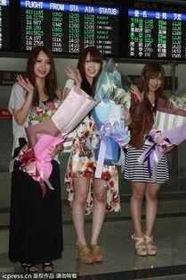 ...起举行的第二届台湾成人博览会.时尚的着装,将火辣身材显露无疑...