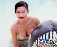 年45岁的昔日香港性感女神叶玉卿,日前跟好友吴君如开玩笑说会复出...