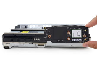 ...角的是一个前置USB接口.-比PS4体积还要小 Xbox One S彻底拆解