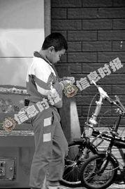 广州外来工子女七成未能入读公校 或成留守儿童
