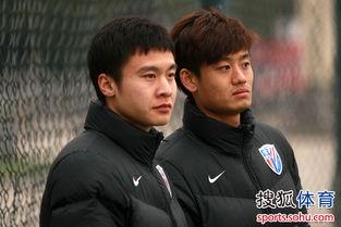 北京时间2月19日下午,刚刚抵达... 松江队则由队长连琛攻入一粒点球...