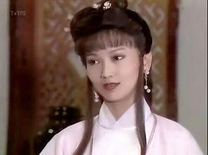 薇大二期间,被台湾畅销言情小说女作家琼瑶选中,出演由中国湖南电...