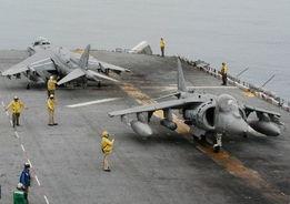 9月17日,几名美国海军