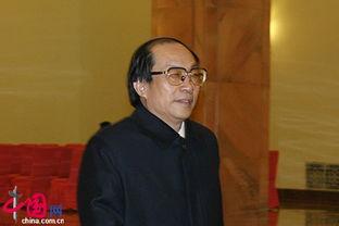 历任沈阳铁路局局长、铁道部总调度长、副部长,2003年3月任铁道部...