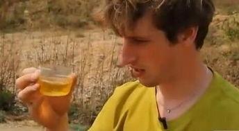 谢天华谈真人秀喝尿 否认为钱出卖尊严 尿真的可以喝吗
