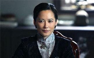 ,凭借情感剧《牵手》在电视剧领域崭露头角.   1999年,俞飞鸿凭借...