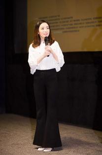 姚婷婷现身青年电影高峰会论坛 助力电影新生力量