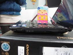 有VGA   视频   输出接口、HDMI高清视频输出接口、散热孔、RJ-45以...