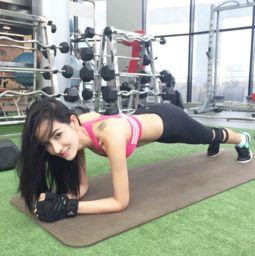 艹的女人喷水19p-泰国人气女模KrataiTadsika靠健身保持好身材,被称为