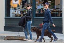 盘点好莱坞最养眼情侣 库珀新女友亮相艾玛加菲萌翻镜头