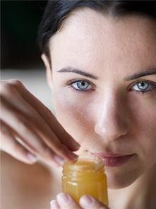 娇嫩含着两根巨物辰辰-蜂蜜   是一种天然食品,味道甜蜜,所含的单糖,不需要经消化就可以...