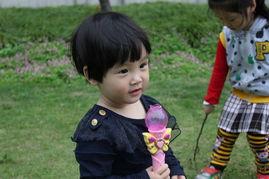 2岁的宝宝想拍周岁照呢.   楼主,接小孩的活不?   第640楼   ---------