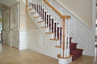 楼梯间灯笼状白色灯具装修效果图