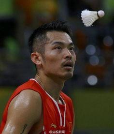 6年里约奥运会羽毛球男单最后一轮小组赛,卫冕冠军林丹对阵越南选...