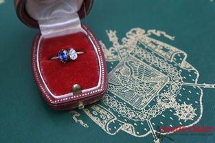 ...这枚戒指在约瑟芬诞辰250周年拍卖,最终以73万欧?-拿破仑皇后御...