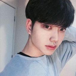 男生刘海怎么弄好看 2018新款男生有刘海发型图片
