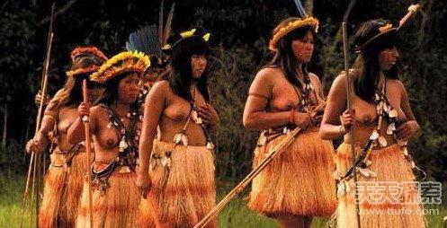 点击图片进入下一页-全球10大奇特民族 女人可随意强奸男人 5