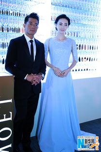 上一页下一页-王丽坤亮相亚洲电影颁奖礼