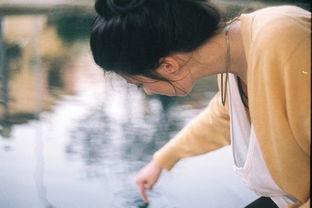 伤感的网名个性QQ女生 等你的回答丶等到眼泪流下