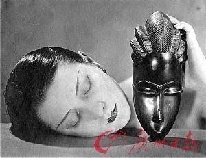 ...·雷的代表作《黑与白-珠宝大亨30克拉钻石换涂鸦